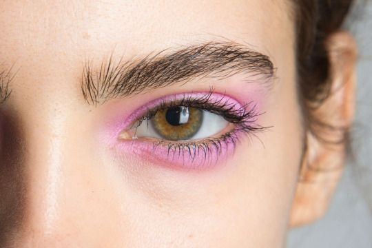 make-up trends lente 2016 roze oogschaduw