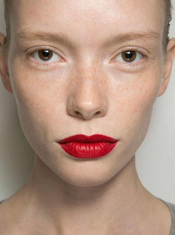 make-up trends lente 2016 felle lippen