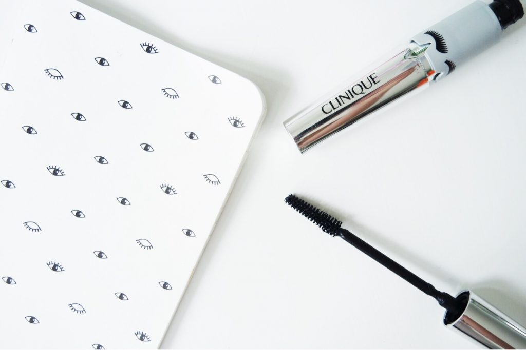 Clinique lash power flutter to full mascara